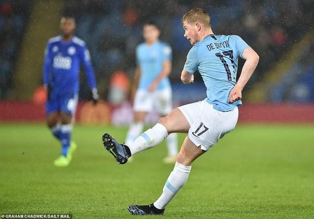 Man City vào bán kết League Cup sau loạt sút luân lưu - 1