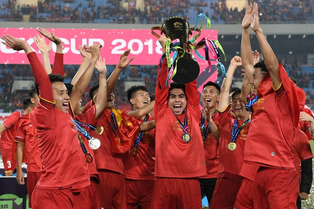Thành quả vô địch AFF Cup 2018 của đội tuyển Việt Nam có sự đồng hành của những người bạn thuỷ chung