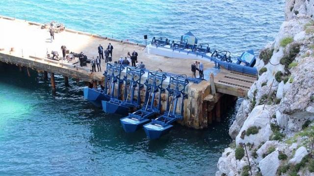 Khám phá hệ thống sản xuất điện từ sóng biển - 1