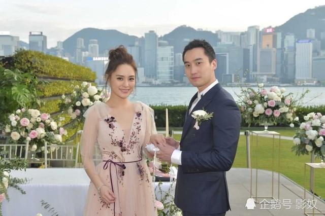 Chung Hân Đồng xinh như công chúa trong tiệc cưới ngoài trời - Ảnh 3.