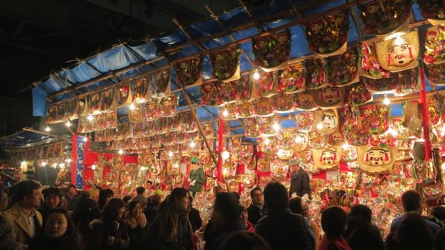 Lễ cầu may Toka Ebisu được tổ chức tại Osaka tạo được sự quan tâm với nhiều du khách nước ngoài (Nguồn: thespacebetweentwoworlds)
