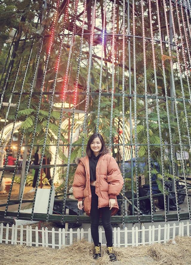 Sinh viên hào hứng với khu vườn Giáng sinh lộng lẫy như ở trời Âu - 10