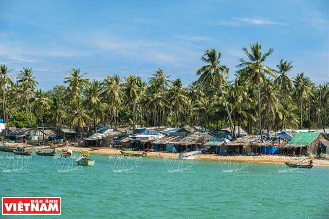 Khám phá vẻ đẹp hoang sơ của An Thới với dải san hô đẹp nhất Việt Nam - 1