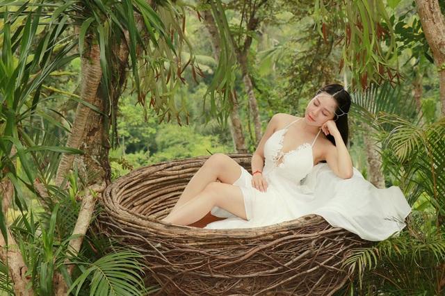 """""""Hot girl World Cup"""" Trâm Anh khoe 3 vòng nóng bỏng ở Bali - 5"""