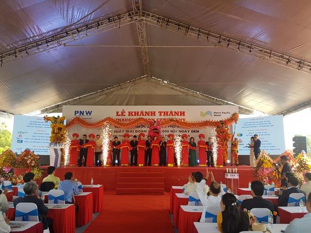 Cắt băng khánh thành nhà máy nước BOO Phú Ninh