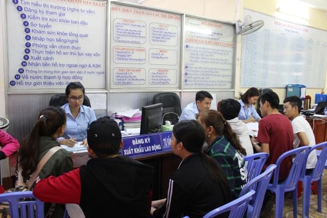 Nhiều bộ đội xuất ngũ tham gia đăng ký đi làm việc ở nước ngoài tăng tại Trung tâm dịch vụ Việc Làm Đồng Tháp.