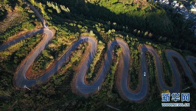 Tuyến đường thách thức cả những tài xế có kinh nghiệm