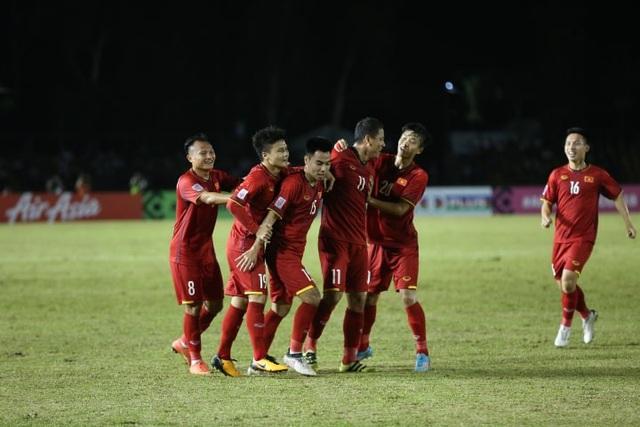 Niềm vui của Anh Đức sau bàn thắng mở tỷ số