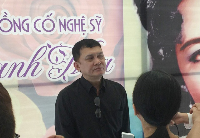 Nghệ sĩ Hữu Châu - cháu gọi nghệ sĩ Thanh Nga bằng cô - cũng là người đứng ra tổ chức lễ giỗ nghệ sĩ Thanh Nga