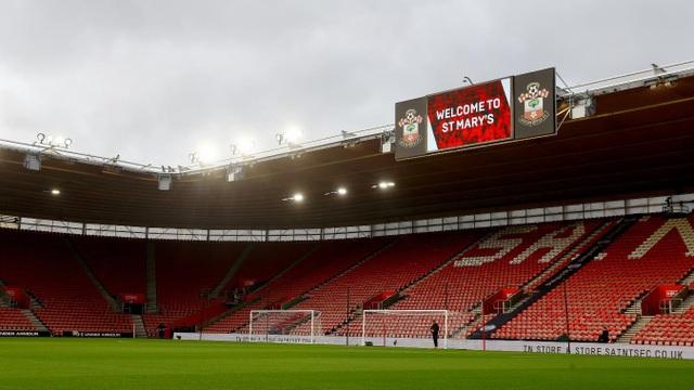 St Marrys trước giờ bóng lăn. Southampton đứng bét bảng với vỏn vẹn 8 điểm sau 13 trận đấu đầu mùa