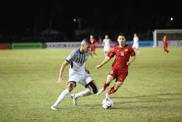 Đội tuyển Việt Nam đang kiểm soát tốt khu vực giữa sân