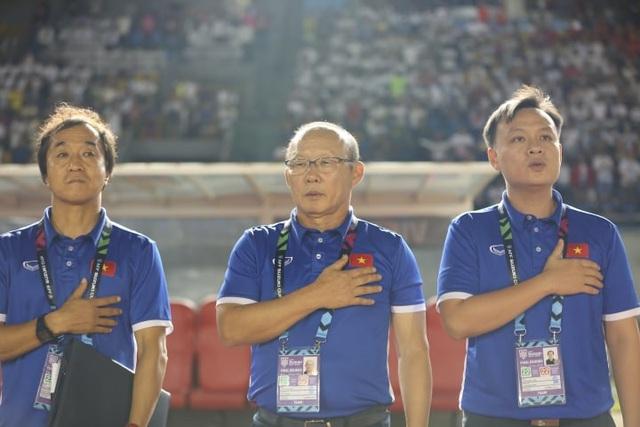 Philippines 1-2 Việt Nam: Chiến thắng ấn tượng - 11