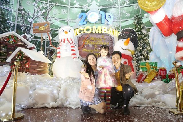 Thưởng thức Giáng sinh châu Âu phủ đầy tuyết trắng giữa lòng Hà Nội - 4