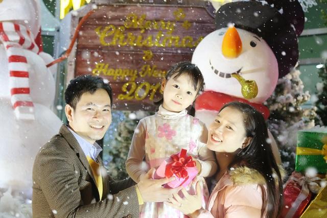 Thưởng thức Giáng sinh châu Âu phủ đầy tuyết trắng giữa lòng Hà Nội - 9