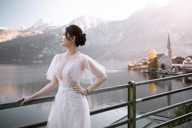 Những khung hình đẹp lung linh trên hành trình vừa đi du lịch vừa chụp ảnh cưới của cô dâu chú rể người Việt.