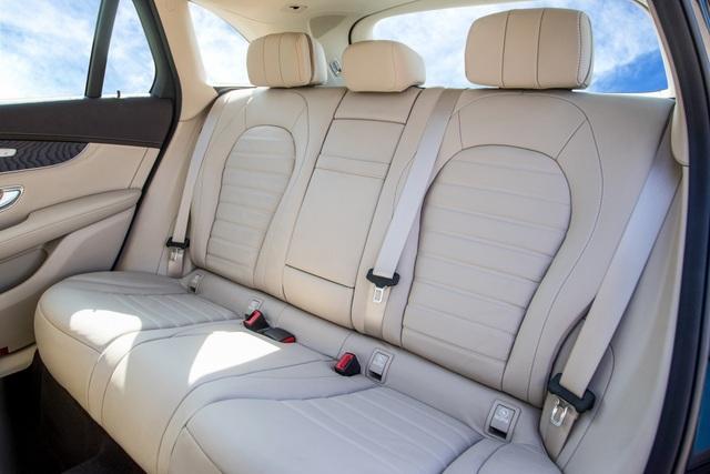 Hệ thống dây đai an toàn hàng ghế phía sau không hoạt động đúng thiết kế là nhân triệu hồi lần này.