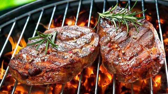 Ăn nhiều thịt đỏ làm tăng nguy cơ mắc bệnh về tim mạch  - Ảnh 1.