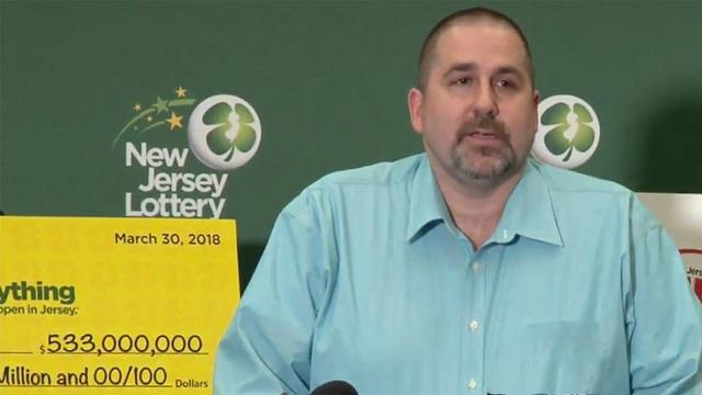 Ông Richard Wahl trúng độc đắc 533 triệu USD nhờ vào một dãy số ngẫu nhiên.