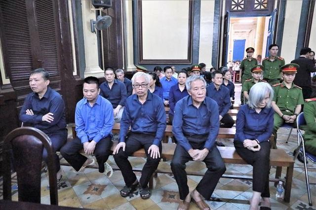 Các bị cáo tại buổi tuyên án sáng ngày 20/12