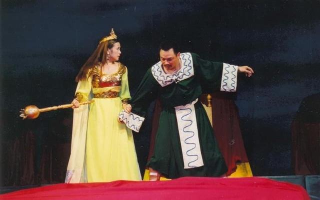 NSND Anh Tú và NSND Lan Hương từng để lại rất nhiều dấu ấn khi đóng cặp với nhau trong các vở diễn.