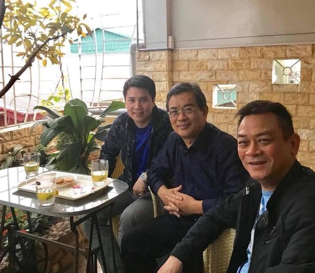 Nghệ sĩ Anh Tú, nghệ sĩ Trương Nhuận và nghệ sĩ Tùng Linh tại nhà riêng nghệ sĩ Trương Nhuận.