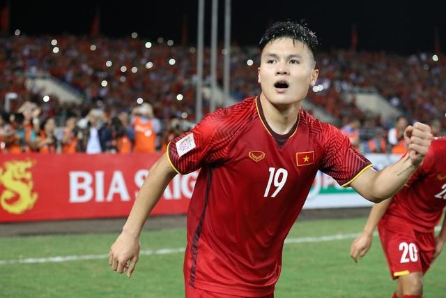 Quang Hải nhận giải Quả bóng vàng Việt Nam 2018 - Ảnh 2.