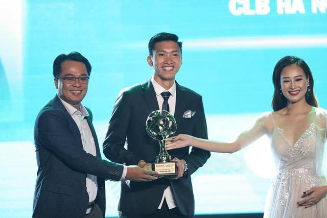 Quang Hải nhận giải Quả bóng vàng Việt Nam 2018 - Ảnh 3.