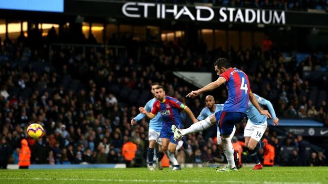 Nhìn lại thất bại gây sốc của Man City trước Crystal Palace - Ảnh 17.