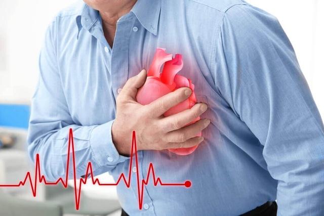 Đau tim có thể là dấu hiệu sớm của bệnh ung thư ở người cao tuổi - Ảnh 1.