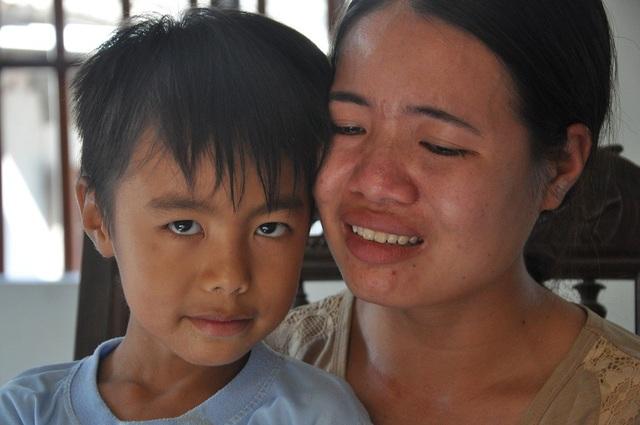 Con trai Huệ là cậu bé Liệu bị bệnh tim và đã 1 lần phẫu thuật.