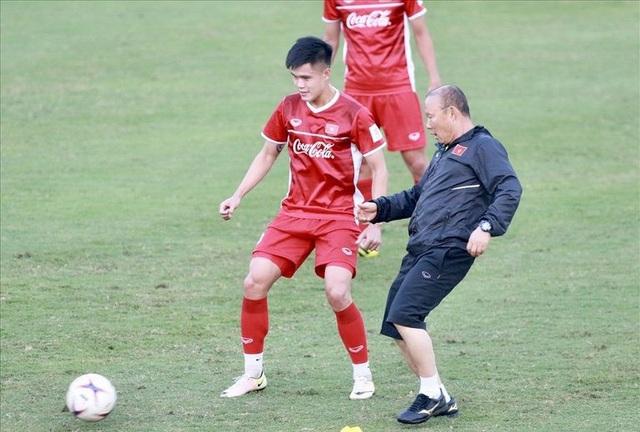 Đội tuyển Việt Nam tiếp tục tổn thất nhân sự trước Asian Cup 2019 - Ảnh 1.