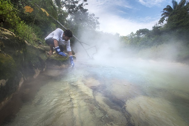 """Phát hiện dòng sông """"siêu nóng"""" bí ẩn ở Amazon - Ảnh 1."""