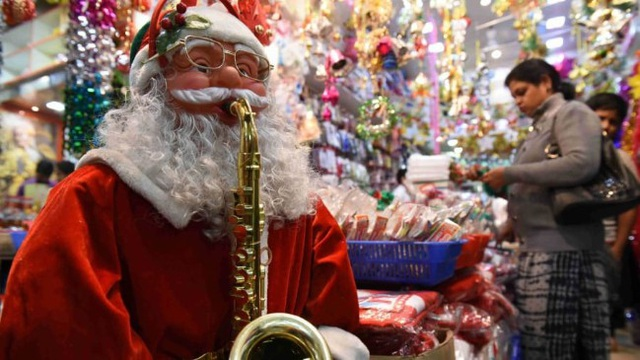 Rực rỡ sắc màu Giáng sinh trên khắp thế giới - Ảnh 7.