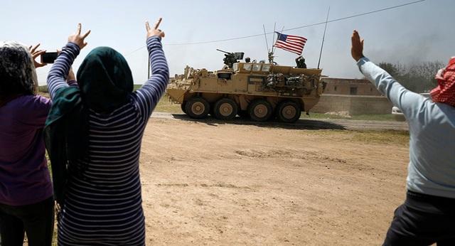 Lầu Năm Góc chính thức ký lệnh rút quân đội Mỹ khỏi Syria - Ảnh 1.