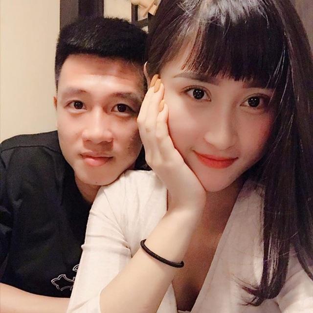 Tiền vệ Huy Hùng - cầu thủ chăm khoe ảnh bạn gái nhất tuyển Việt Nam - Ảnh 5.