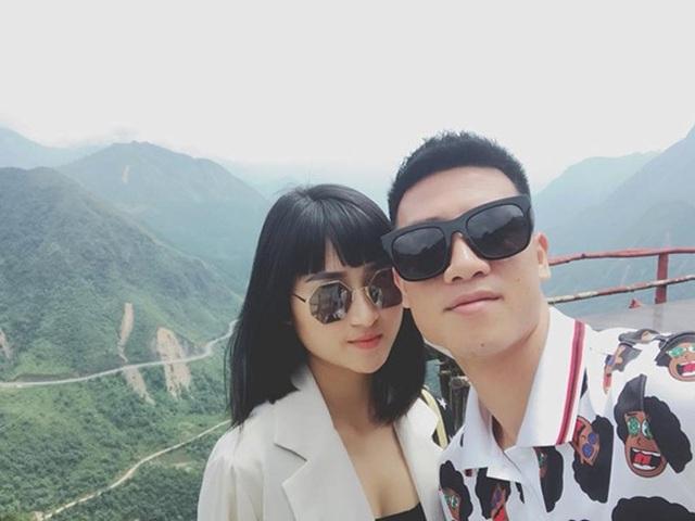 Tiền vệ Huy Hùng - cầu thủ chăm khoe ảnh bạn gái nhất tuyển Việt Nam - Ảnh 7.