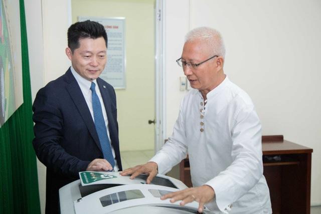Bridgestone Việt Nam trao tặng 20 thùng rác thông minh cho thành phố Huế - Ảnh 3.