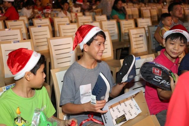 Siêu xe Tuần Lộc - Dự án Giáng Sinh hạnh phúc cho các em thiếu nhi - Ảnh 5.