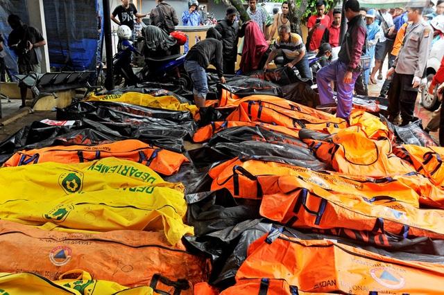 """Nhân chứng ám ảnh khoảnh khắc bị sóng thần """"nuốt chửng"""" tại Indonesia - Ảnh 5."""