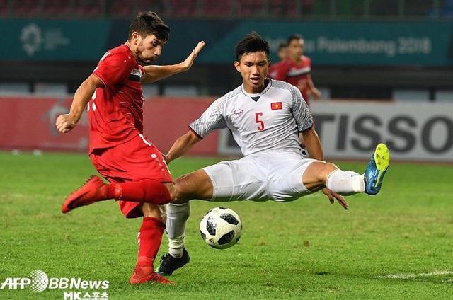 Báo châu Á gọi Văn Hậu là Maldini của bóng đá Đông Nam Á - Ảnh 1.