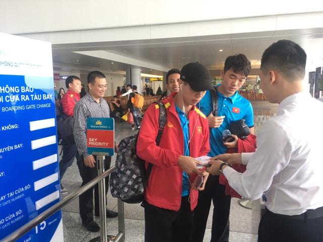 Đội tuyển Việt Nam lên đường sang Qatar, chuẩn bị cho Asian Cup 2019 - Ảnh 2.