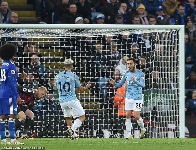 Những khoảnh khắc sụp đổ của Man City trên sân Leicester - Ảnh 8.