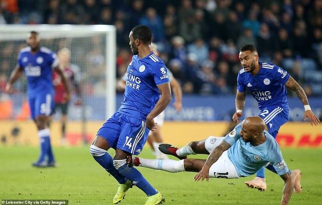 Những khoảnh khắc sụp đổ của Man City trên sân Leicester - Ảnh 18.
