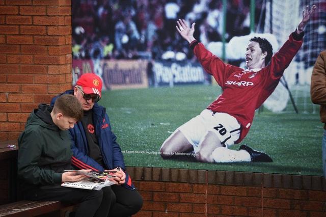 Nhìn lại chiến thắng ấn tượng của Man Utd trước Huddersfield - Ảnh 2.