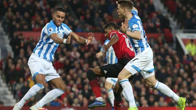 Nhìn lại chiến thắng ấn tượng của Man Utd trước Huddersfield - Ảnh 14.