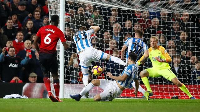 Nhìn lại chiến thắng ấn tượng của Man Utd trước Huddersfield - Ảnh 17.
