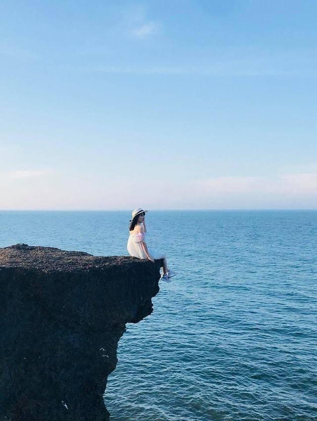 Tết Dương lịch, bạn trẻ ngỡ ngàng với điểm check-in đẹp như trời Âu tại miền Trung - Ảnh 1.