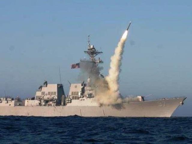 Mỹ bị cáo buộc tập hợp tên lửa Tomahawk gần Nga - Ảnh 1.