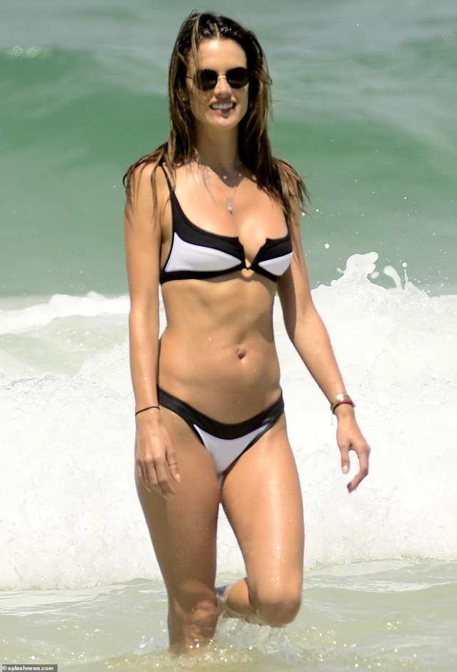 Alessandra Ambrosio quyến rũ bên bạn trai - Ảnh 4.