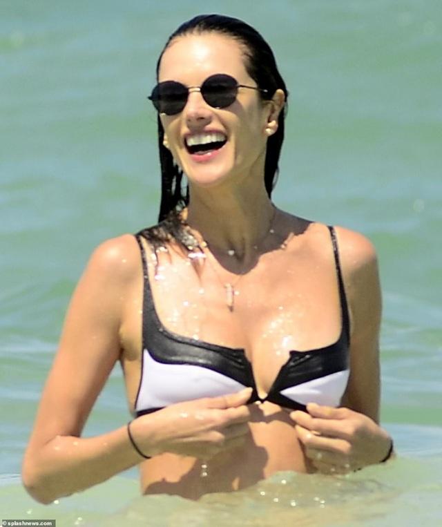 Alessandra Ambrosio quyến rũ bên bạn trai - Ảnh 6.